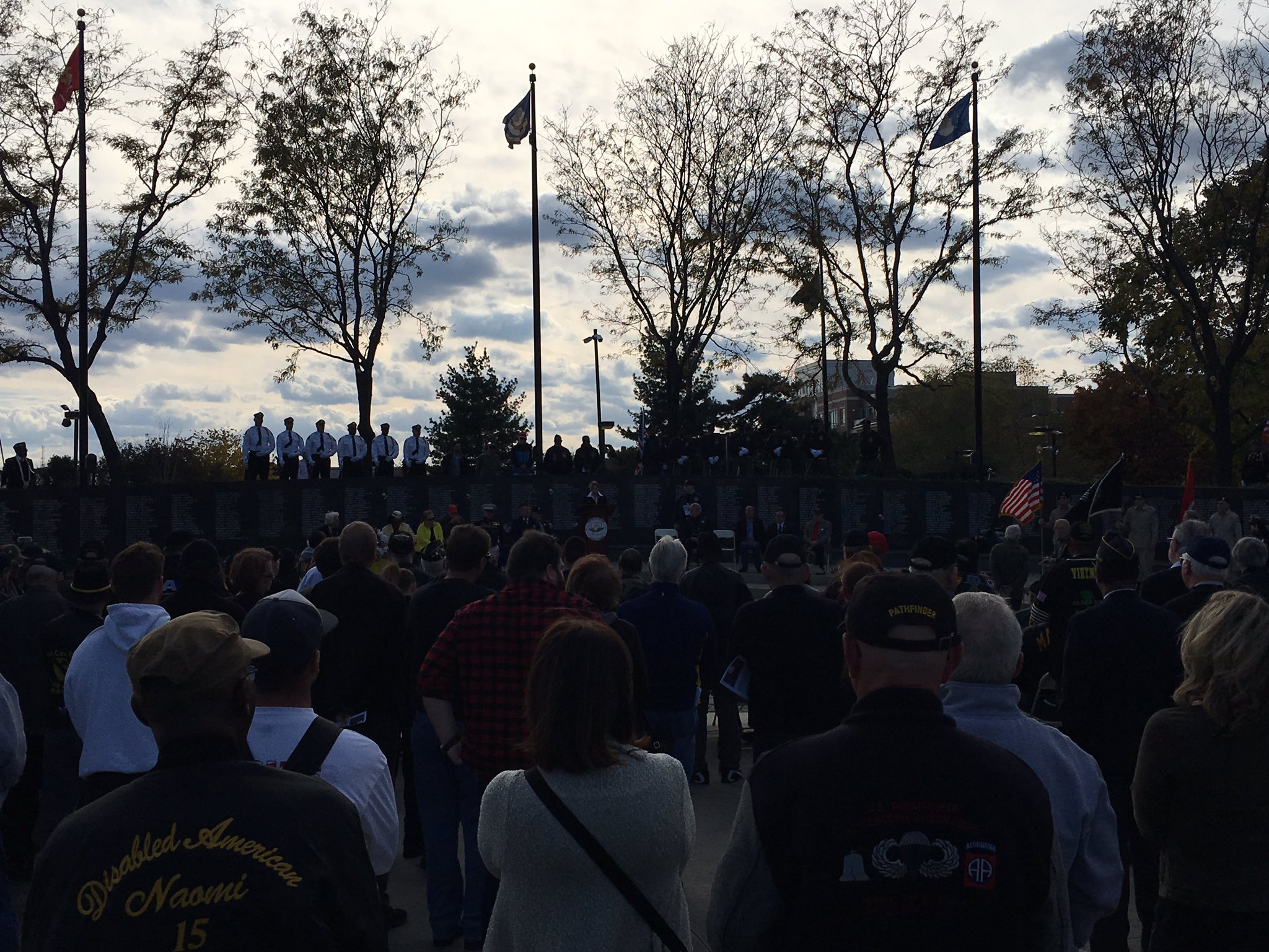 .@carol_eggert speaks to Veterans at the Philadelphia Vietnam Memorial. #servicematters @ComcastMilitary #Veterans #wehirevets https://t.co/mwjyxk6axw