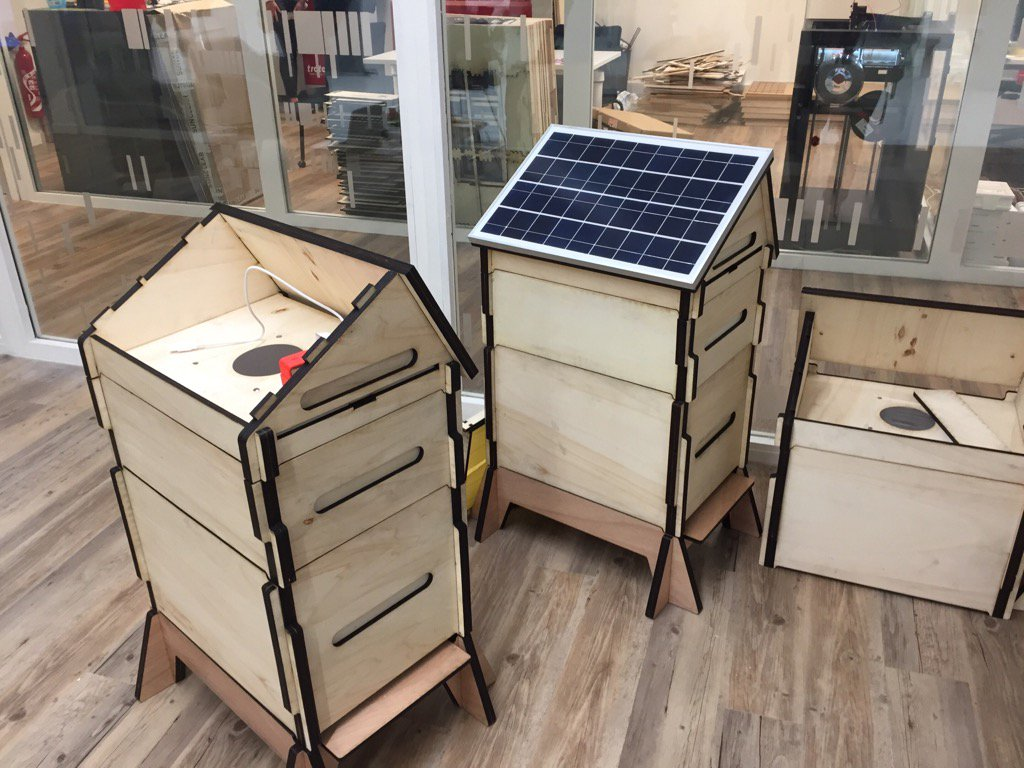Very cool - new Fab Lab at @EMLYON has students making solar powered, raspberry pi monitored beehives. https://t.co/Gic4a7RCSp