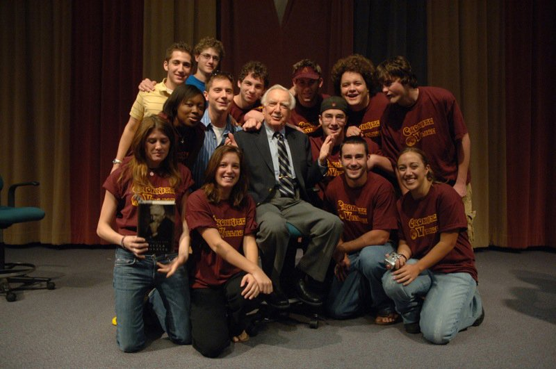 Today would have been Walter Cronkite's 100th birthday. His legacy lives on at the Cronkite School. #CronkiteAt100 https://t.co/y0aa3c7YUK