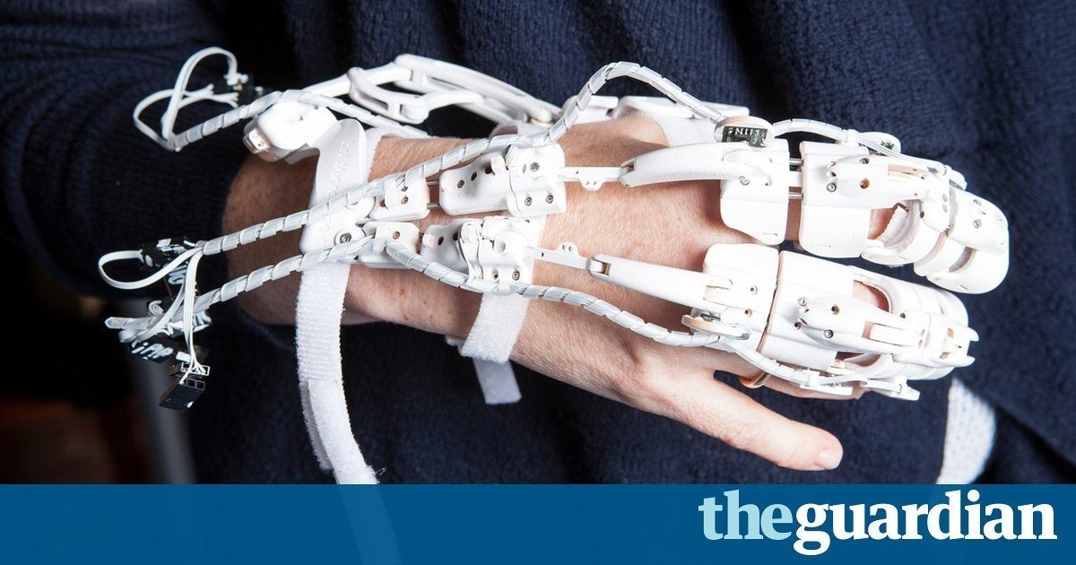 The future of healthcare: #AI, #augmentedreality and drug-delivering #drones  https://t.co/TPv5s0qkug via @Guardian https://t.co/u1MNcD6UEj