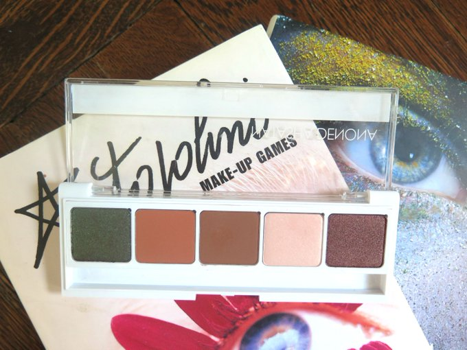 My review and swatches of eye palette Natasha_Denona mua eyeshadows makeup