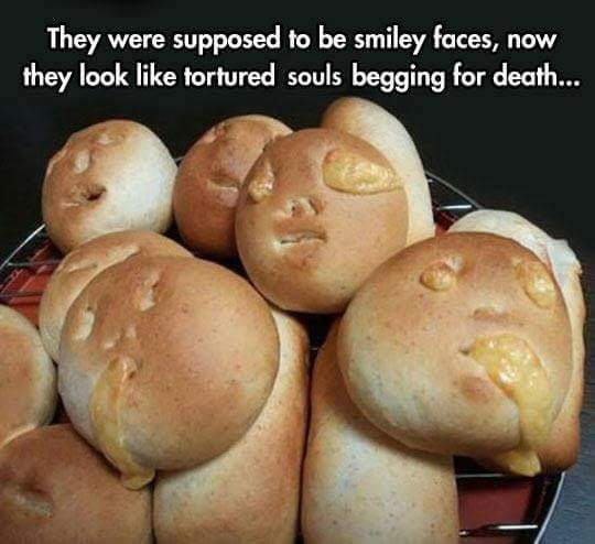 When #baking goes wrong. #SmileyFaces #TorturedSouls https://t.co/ATgBn51AIL