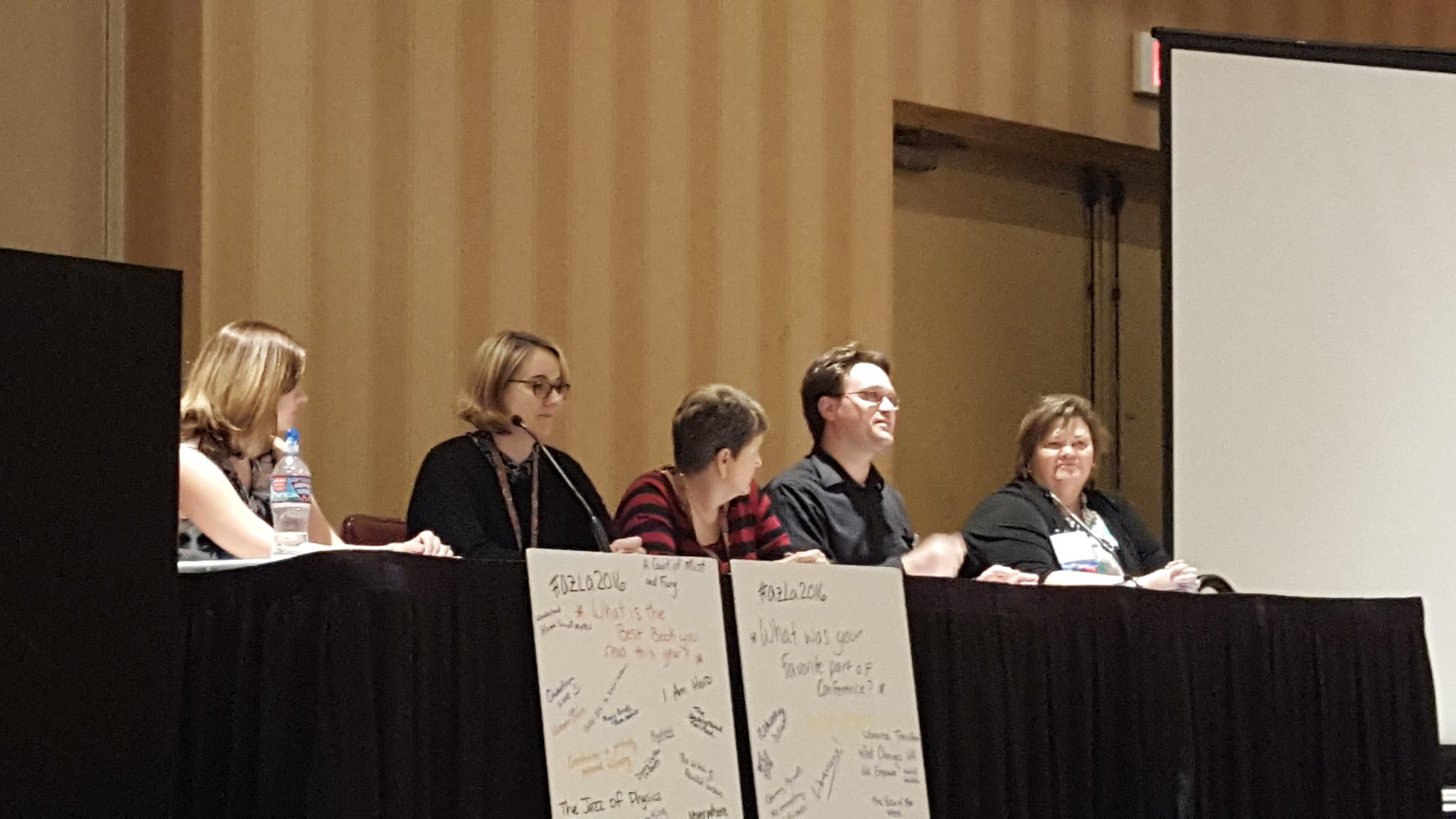 Closing reflections. Jasper encourages us to take back and implement one new idea to our libraries. Can do! #azla2016 https://t.co/OHC5PtR8pS