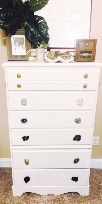 DIY Dresser + How to get rid of those pesky knob holes DIY youngblogger collegelife