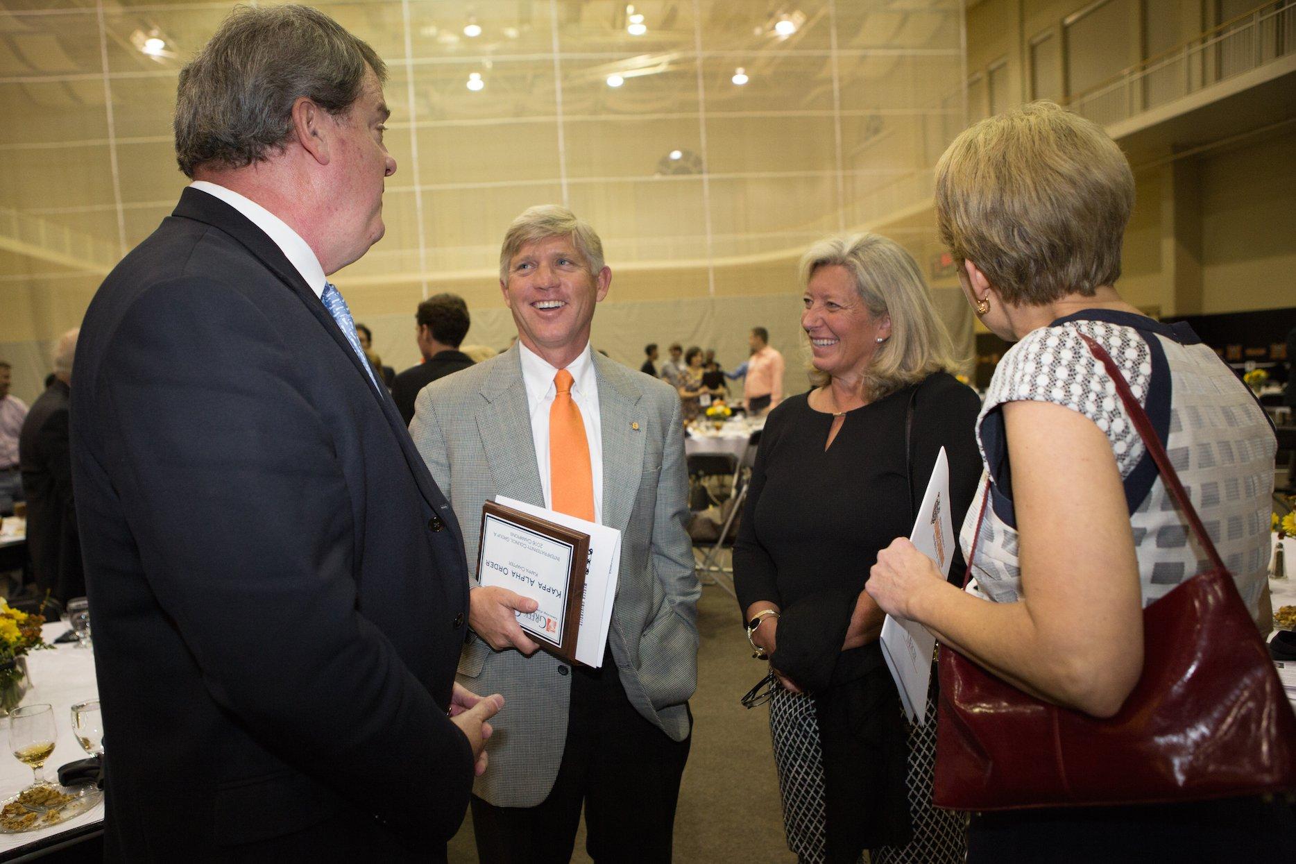 PHOTOS: Alumni Awards Dinner #MercerHC16 https://t.co/Pz5MhX7q0L https://t.co/Ock2P4IKfh