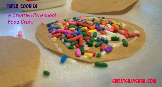 This would be fun to do as a Cookies for santa craft!preschool cookies crafts