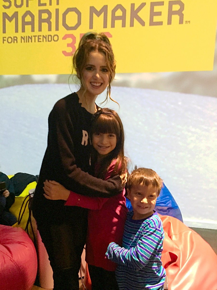 Such a thrill to meet @lauramarano  at the @NintendoAmerica #3DSMyWay event! #nintendosweepstakes https://t.co/OegnHaOtyi