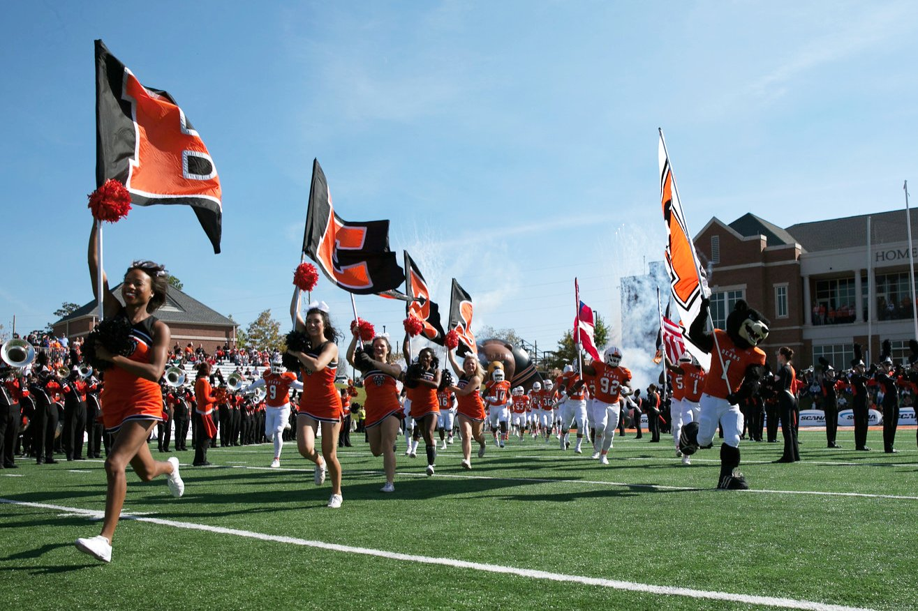 PHOTOS: Football Game and Homecoming Court #MercerHC16 https://t.co/NgPL0NKHgz https://t.co/z5HYup3i6C
