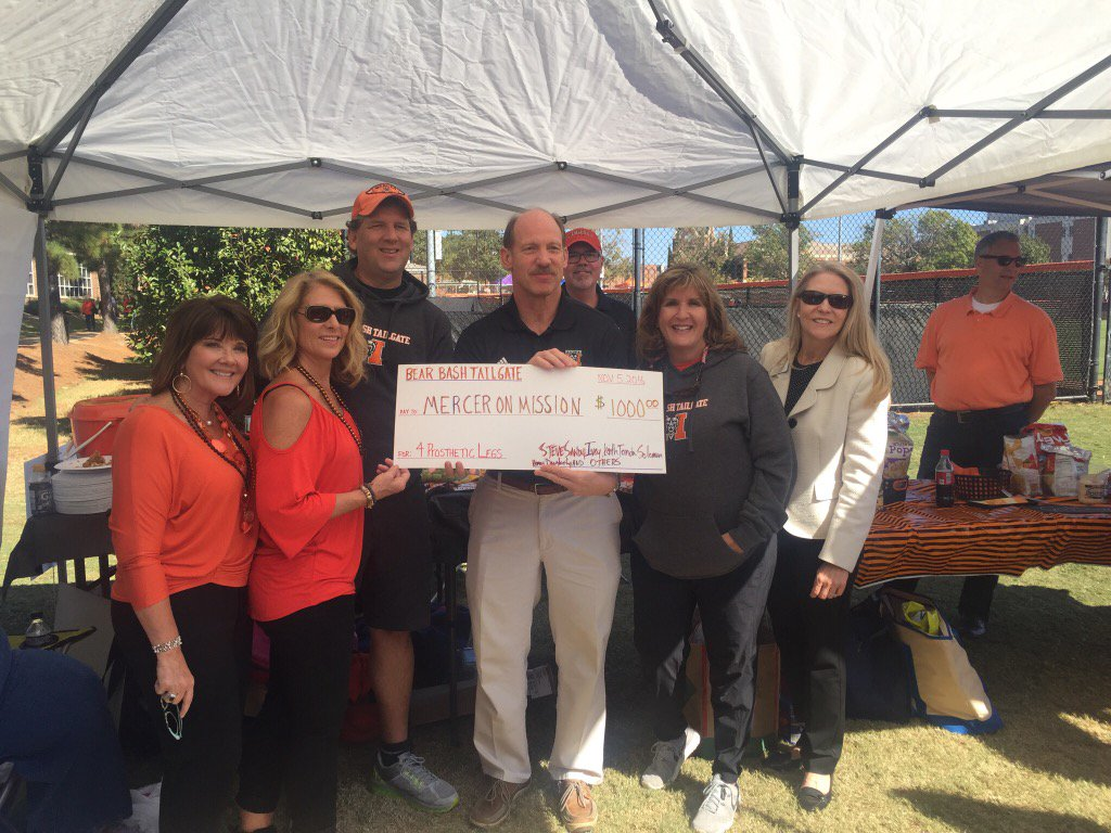 The Bear Bash Tailgate just raised $1,000 for Mercer on Mission. Talk about giving back. @MercerYou https://t.co/uxJtfew4aL