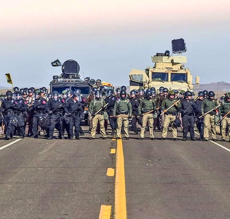 #MniWiconi #NoDAPL This is what an Empire disguised as a Republic looks like. Pay Attention https://t.co/PJj6PAQ9pQ