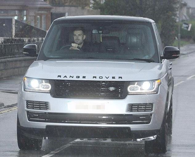 Picture of his Range Rover   car