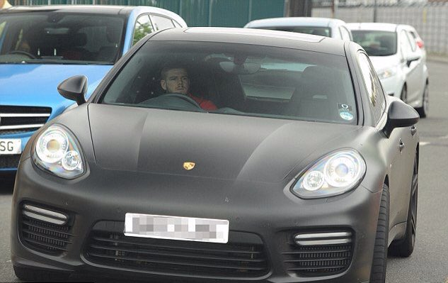 Picture of his Porsche Cayenne   car