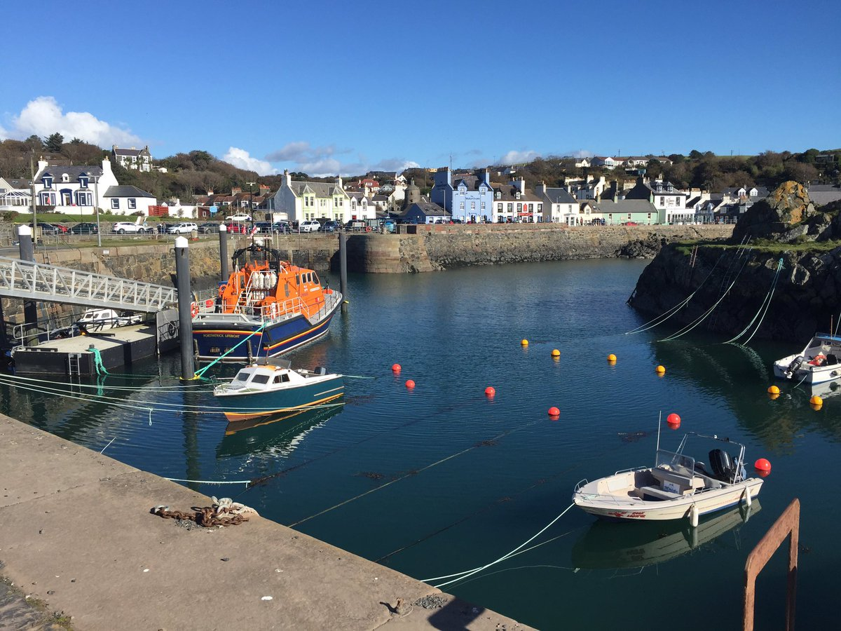 #Portpatrick in #SWScotland #LoveDandG  come and see us soon #DumfriesandGalloway https://t.co/KilKjL5m6a