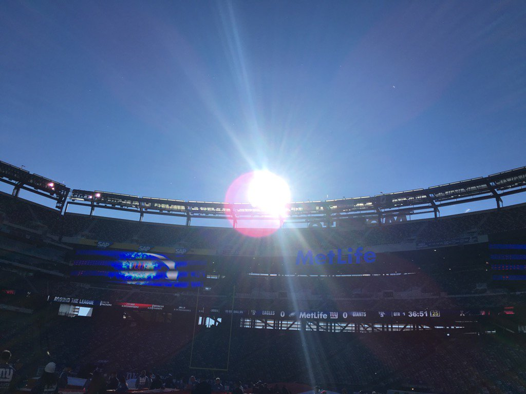 Little chill in the air at #metlifestadium before #Eagles #NYGiants   @FOX29philly @SportsRadioWIP