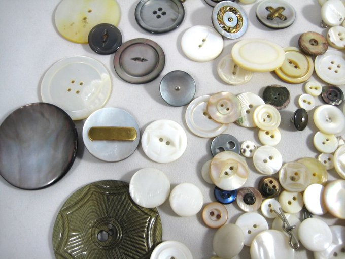 VTG LOT MOP SHELL BUTTONS buttons vintagebakelite lucite sewing crafts motherofpearl