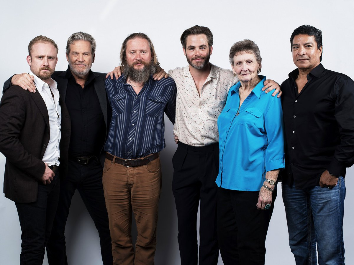 """Blue Water High Cast chris pine network on twitter: """"the cast of 'hell or high"""