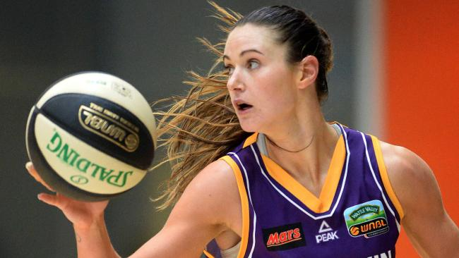 .@AliceKunek has also played for Australia, is a @MelbourneBoomer, and is completing a Masters of International Business @Deakin #DeakinWISE https://t.co/xRRU9Ph1b2