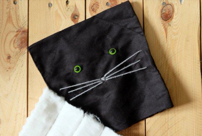 DIY : Raliser un coussin chat pour dcorer le lit de Bb !