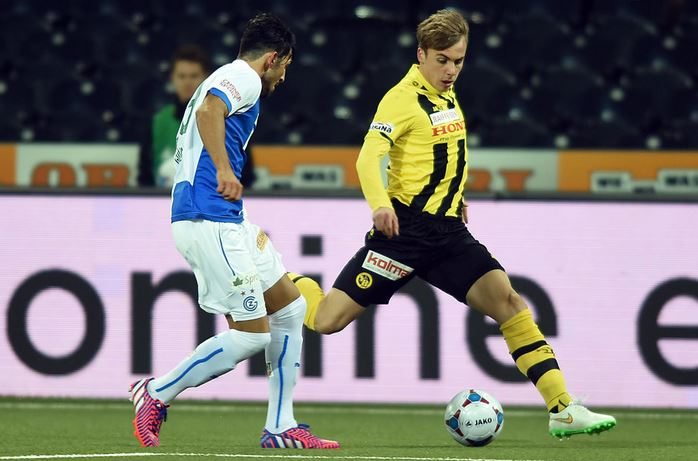 Sulejmanov (R) playing for the YB U21s; photo: YB