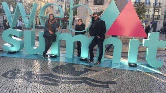 Beijos @CollectifG2C depuis le #WebSummit à Lisbonne #Prospective  #BizDev #networking Merci à @LaCodingSchool https://t.co/LjbCyJACxB
