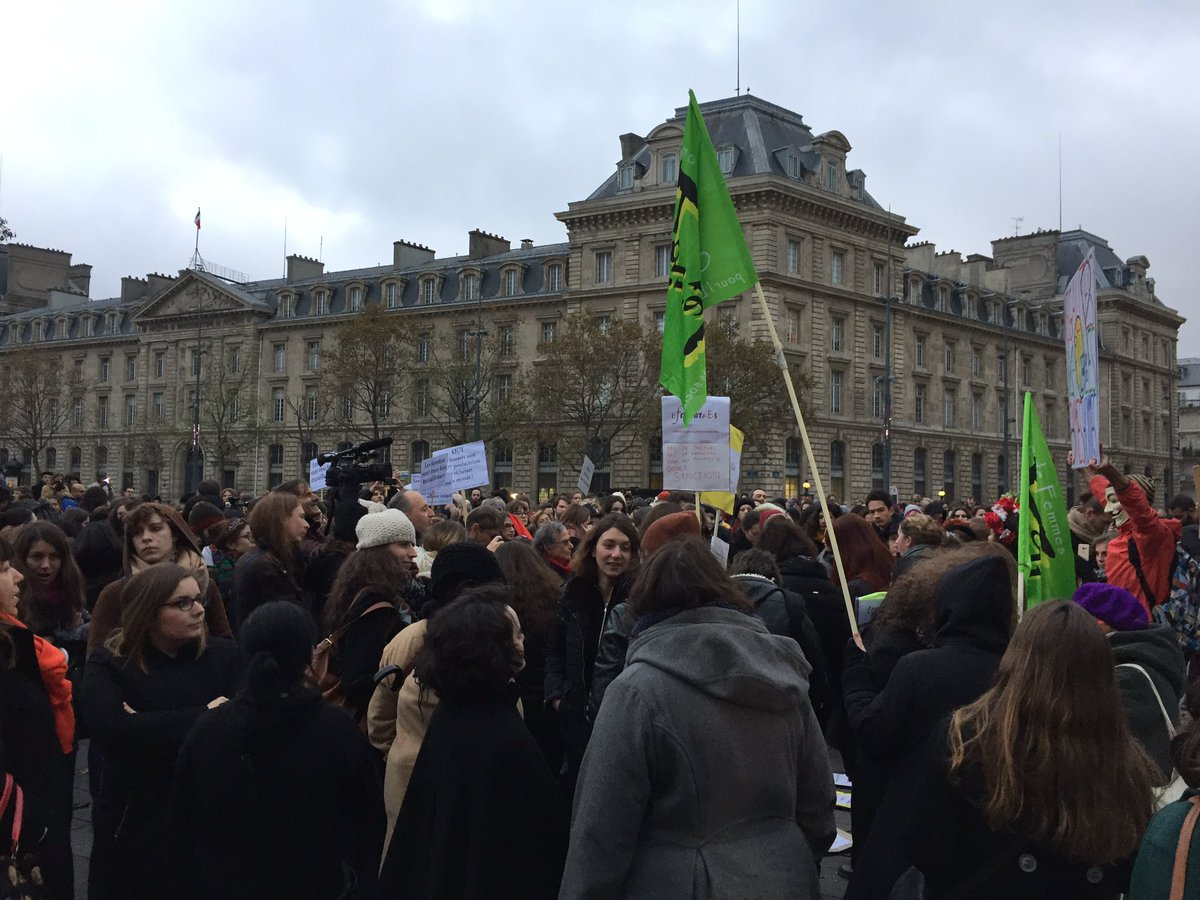 French Women Walked Out Of Work Early Today In Protest Of The Wage Gap
