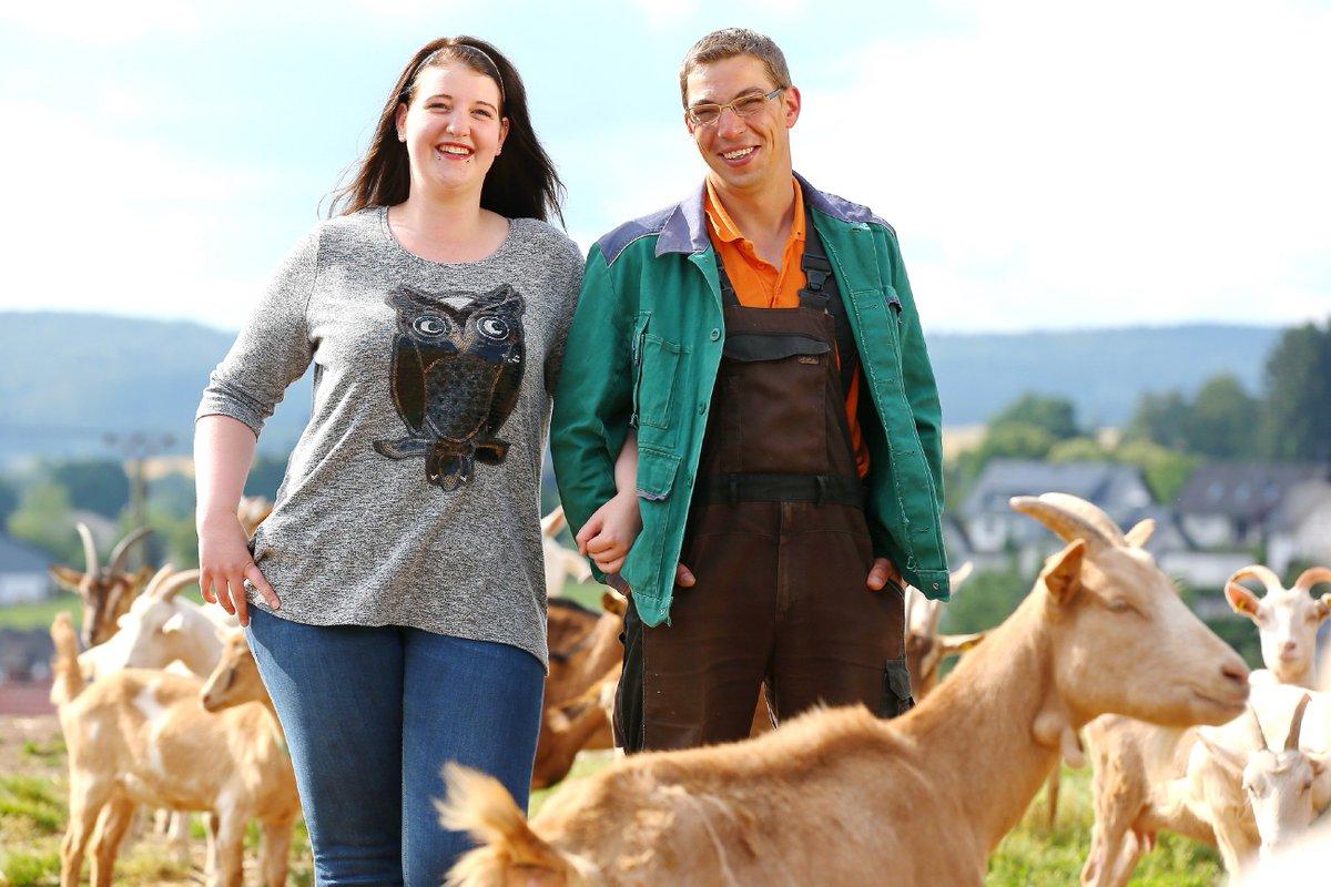 Rtlde On Twitter Start Der Hofwoche Für Ziegenwirt Roland Ob