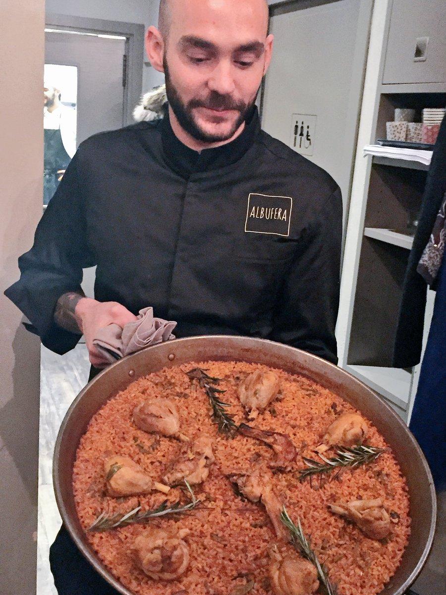 Cosa significa quando sei a Milano e trovi una paella più buona di quella recentemente mangiata a Barcellona? #albuferamilano https://t.co/ARDTSRttYG