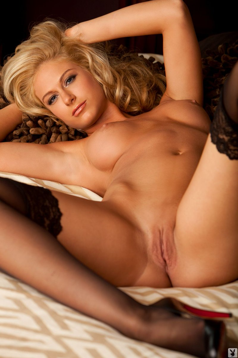 Want put blonde hot shaved