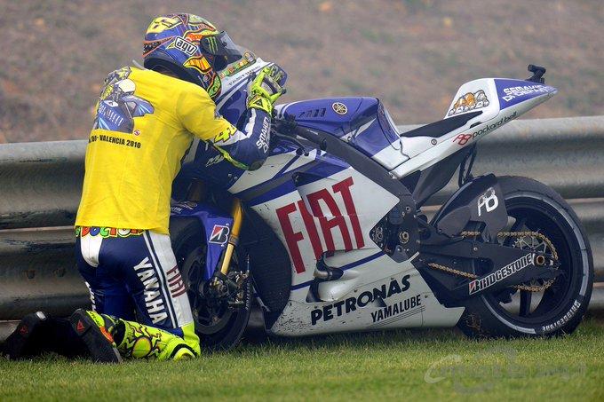 Valentino Rossi Kissing His Bike