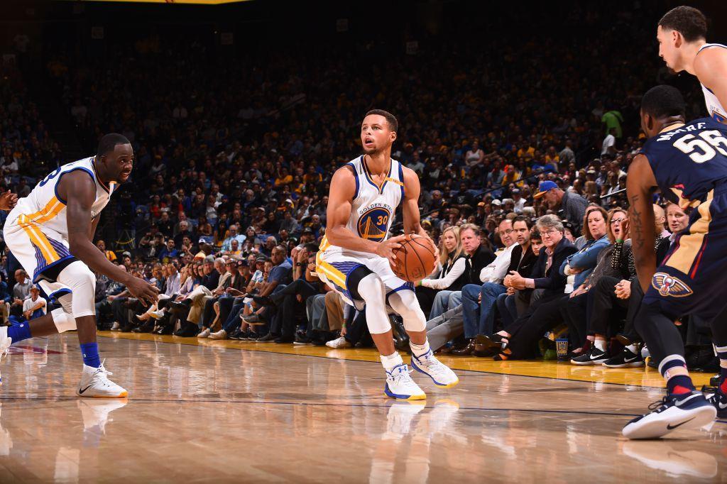 "NBA.com on Twitter: ""After 0-10 on Fri, @StephenCurry30 goes 13-17 on 3s to set NBA single-game ..."