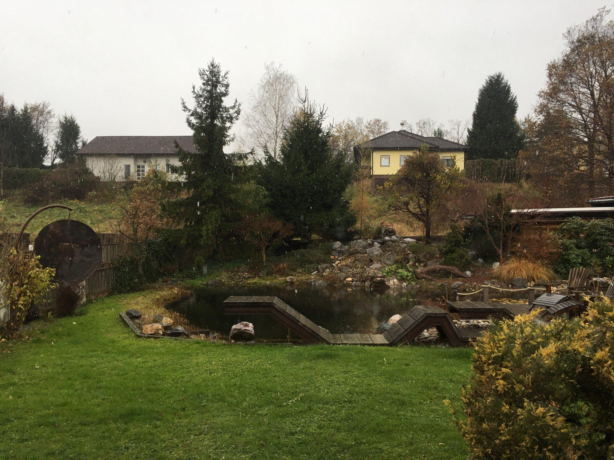 Hart bei Graz vermeldet dicke Schneeflocken #meurers #ausblicktweet https://t.co/3dr1a0GBoF