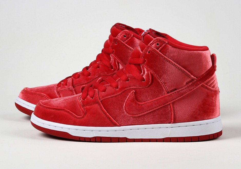 new arrival c8d71 afb19 Sneaker News on Twitter