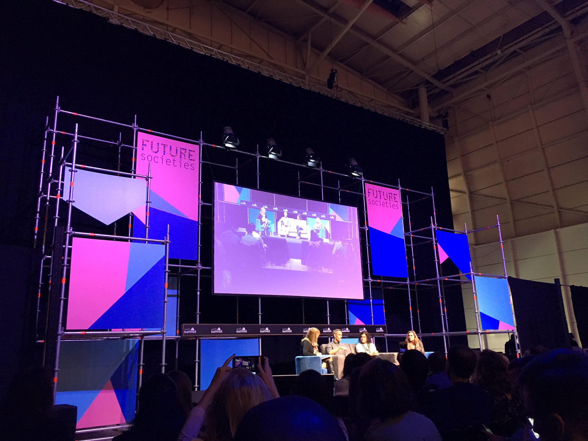 People want to have a purpose and meaning. And that's powerful! Scale up, give back! #WebSummit #FutureSocieties https://t.co/0QnPaEEp1R