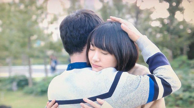 ムズキュン「ハグ」 : 恋ダンスだけじゃない!「逃げ恥」に影響された人が続出している - NAVER まとめ