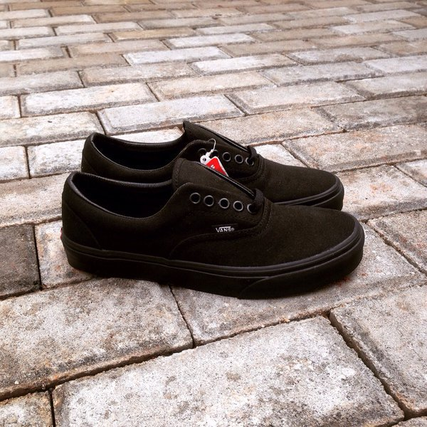 4d2c99374b80 Buy all black vans 6.5