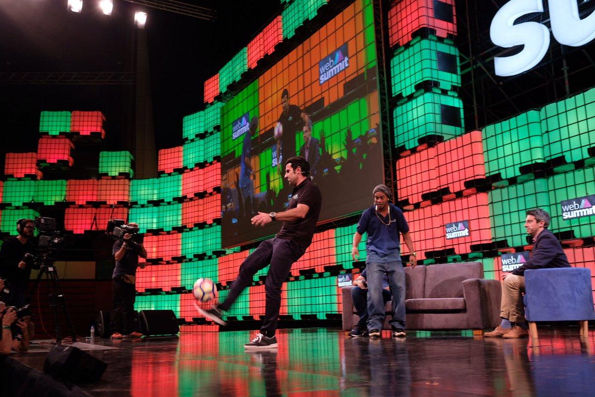 #Ronaldinho e #Figo no #WebSummit. Veja o vídeo live no Facebook do #JNegocios