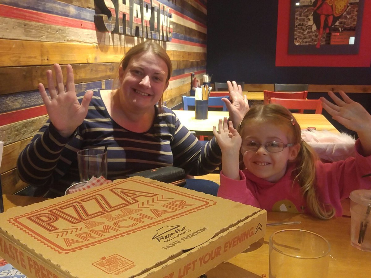 Pete Sheppard On Twitter At Pizzahutuk My Wife And Little