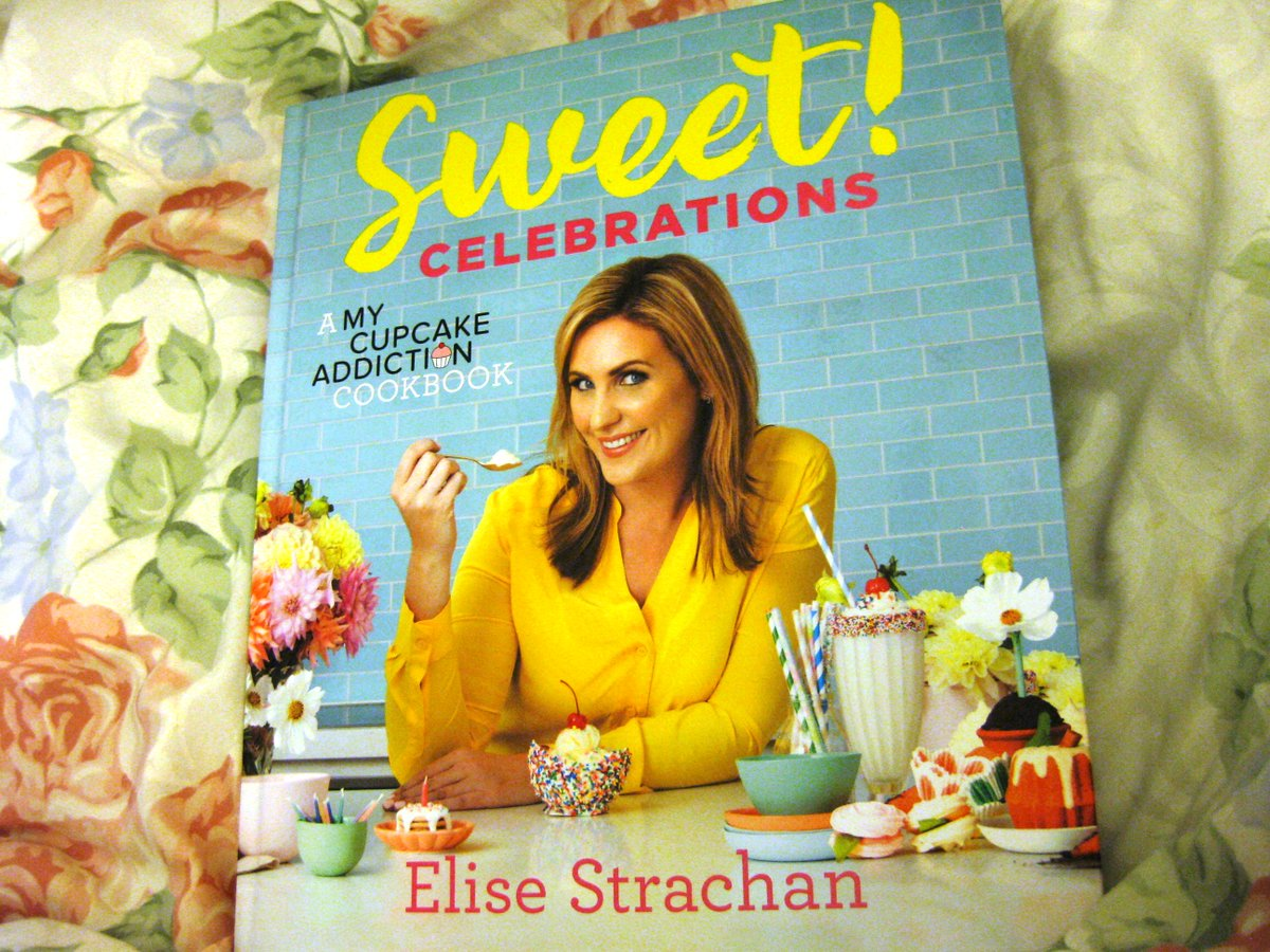 @CupcakeAddictAU Finally Arrived in the post!! TPre-ordered for my Christmas present I can't open it until then!! #sweetcelebrationscookbook <br>http://pic.twitter.com/pIsJEIHloj