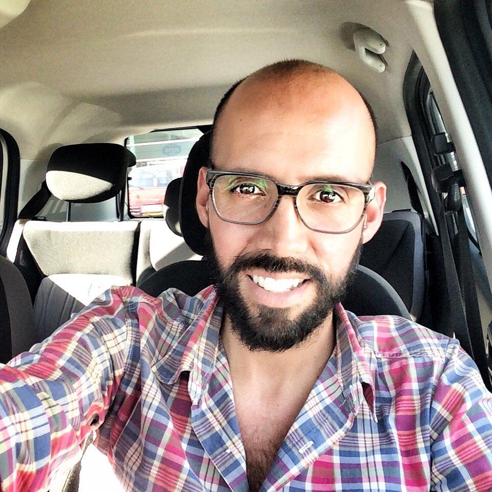 Callejeando ando!!!     #beard #instabeard #beards #bearded #moustache #smile #unshaved #viñadelmar #malechile #chilepic.twitter.com/gCTsu7kKDc