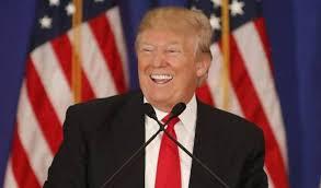 """""""No desistan, sigan saliendo a votar – esta elección está lejos de haber terminado.. ¡Vamos, Florida!"""", tuiteó Trump https://t.co/fSYBC7z5f0"""