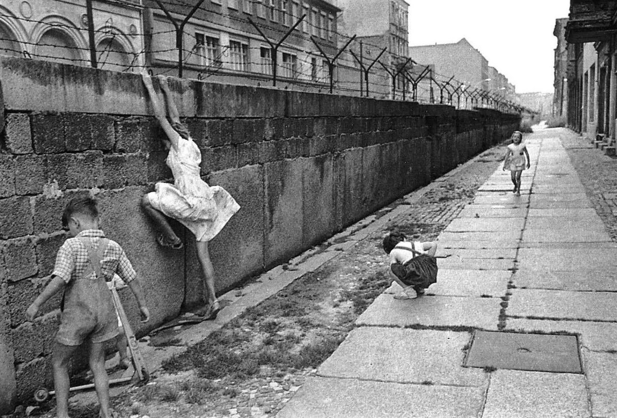 9 novembre 1989 Caduta del Muro di Berlino