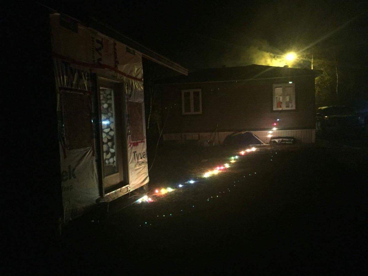 Christmas Light Meme.Cape Shore Memes On Twitter Christmas Lights No Bah Extension