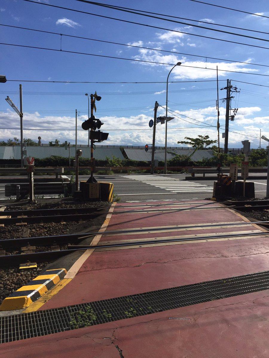 難易度が高い(ちなみに信号が青になるタイミングで電車が来るとやり直し)