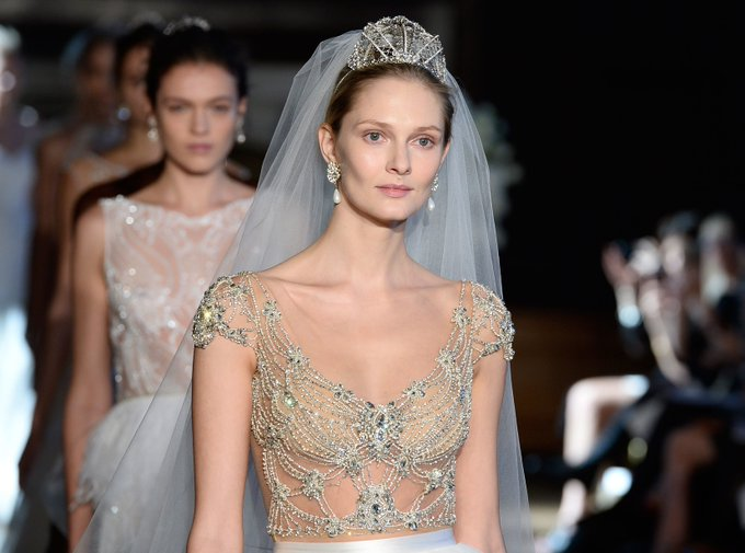 25 Wedding Gowns That Are Totally Worth Pinning fashion beauty