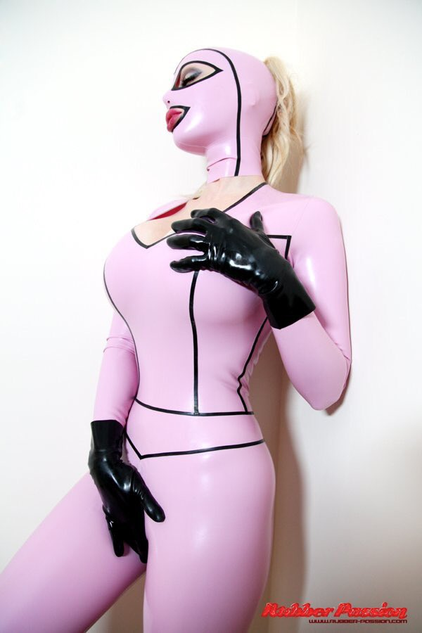 Latex Lucy Nude Photos 82