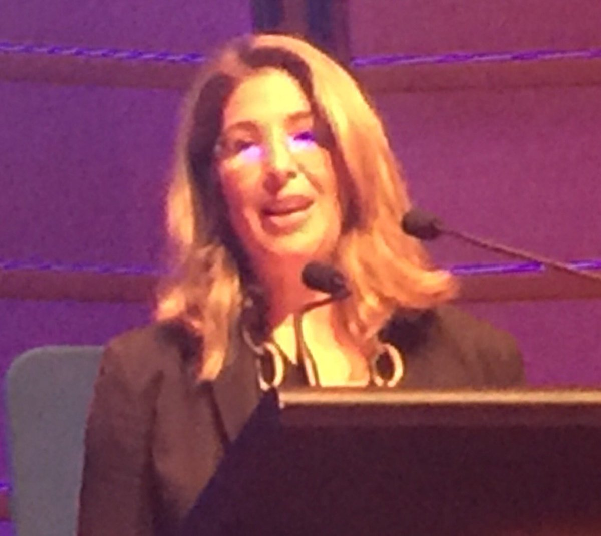"""We're not going to give up."" - @NaomiAKlein  #Sydney2030 @SydPeaceFound @Guardian https://t.co/V3AloLXXn2"