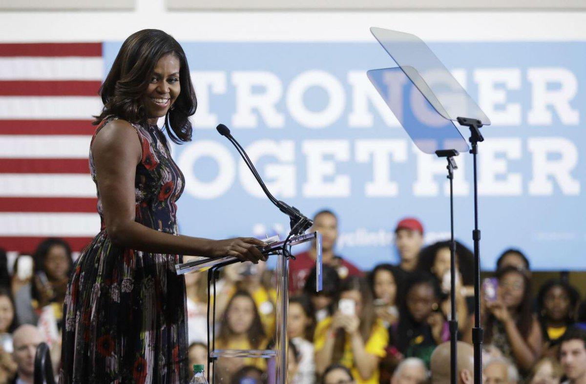 Ahora ya sabemos quien va a ser la primera mujer presidenta de Estados Unidos: @MichelleObama #elections2020 https://t.co/hL4PB0VDT3