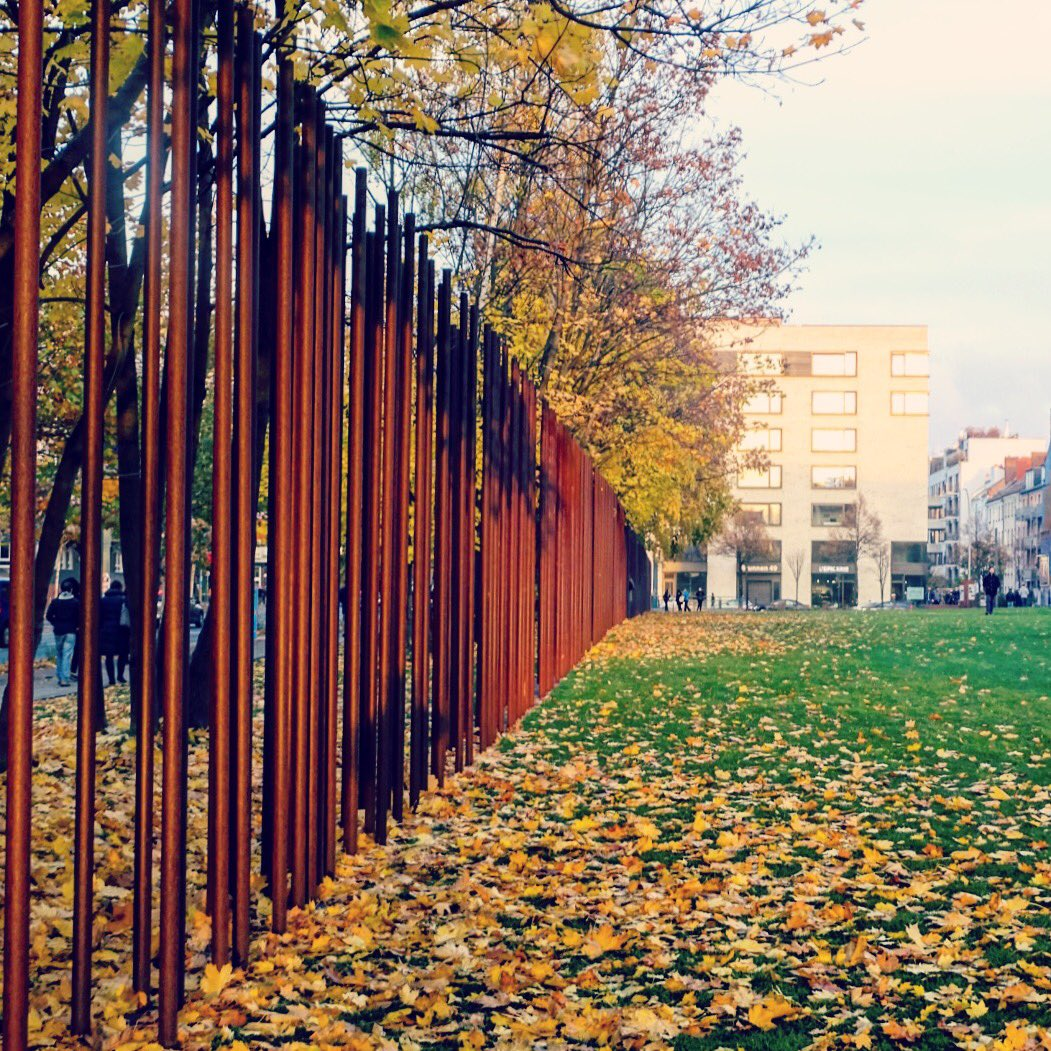 27 Years ago the Berlin Wall came down. The death strip is now a powerful memorial. No more walls! No matter who is in power. https://t.co/U8iAYu3DFa