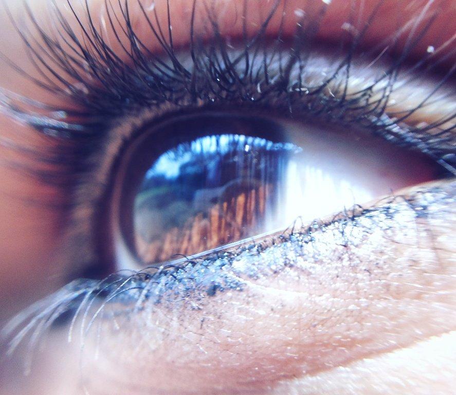Eye of my Angel... 😍😍👌👌💜💋💋💋 #angel #eye #from #heaven #love #liner #lookfromanangel #lightfromtheright #GJ_my_love #my_life_GJ #harvshots