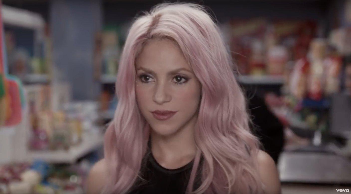 B On Twitter Im Gonna Need Pink Hair NowShakira Maluma Chantaje Tco NNu31MjYT7